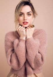 ana-de-armas-in-vogue-magazine-russia-october-2017_4